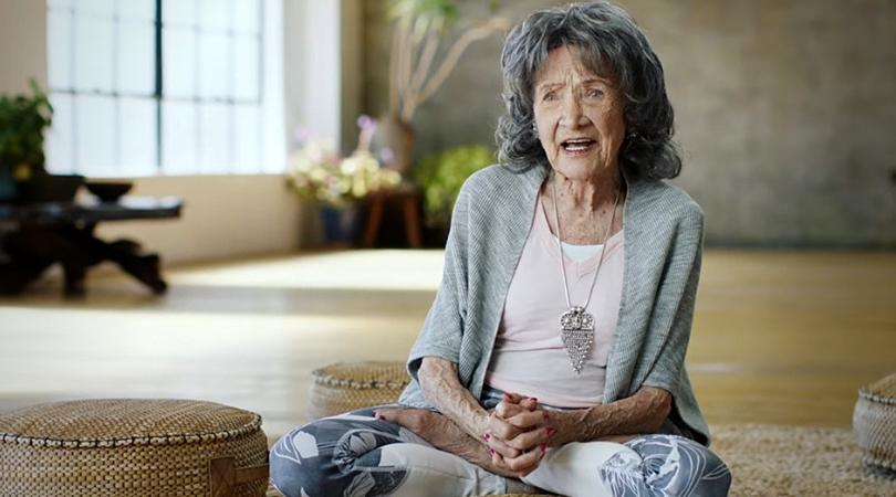 Tao Porchon Lynch professeur de yoga centenaire