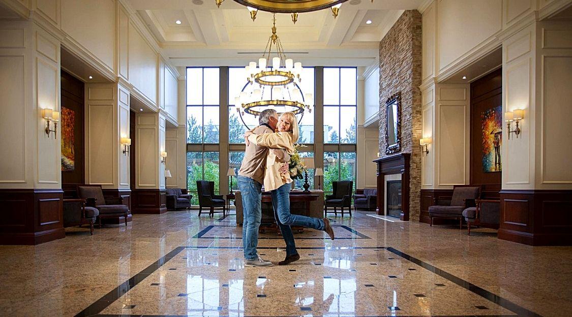 Lux Gouverneur lobby