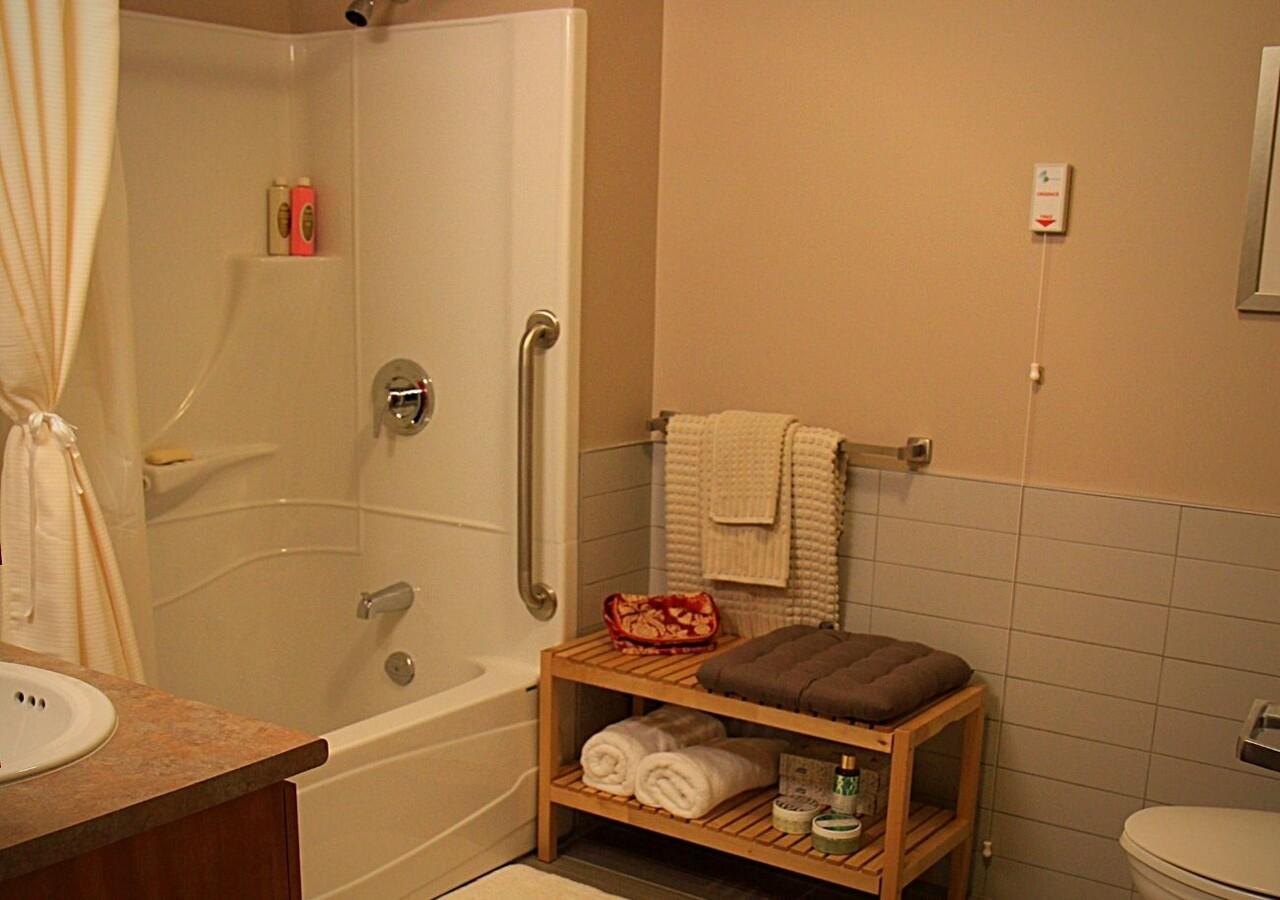 Manoir Claudette Barré salle de bain