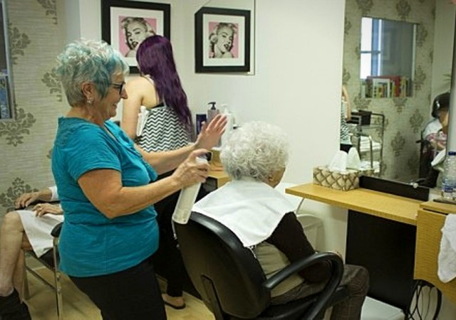 Salon de coiffure à l'intérieur de la résidence