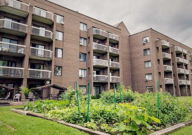 Vue des balcons d'appartements de Résidence des Trembles