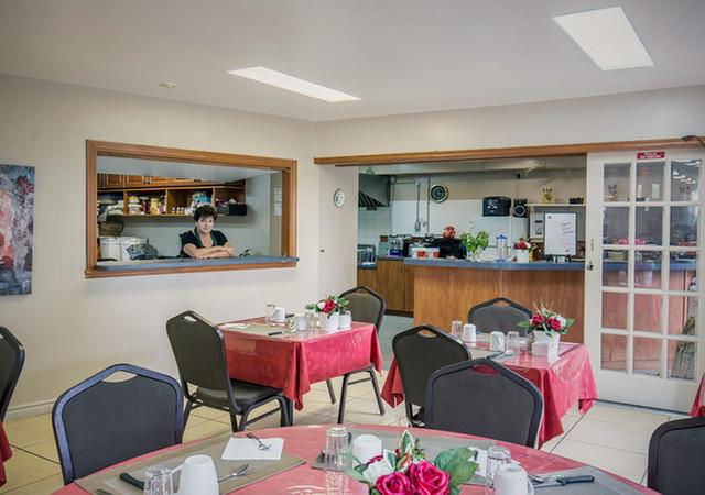 Restaurant accessible dans la Résidence des Trembles, 3 repas par jour, 7 jours sur 7